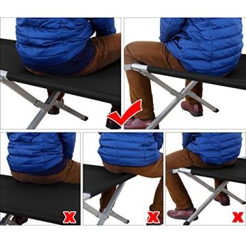 Die richtige Sitzposition bei einem Feldbett ist sehr wichtig. Hier ist es bei dem Songmics Feldbett zu sehen