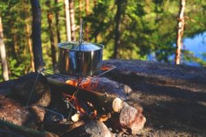 Das Outdoorhemd für den Einsatz im Freien auch beim Lagerfeuer